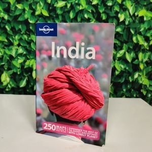 Lonely Planet Discover India Guide Book
